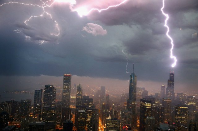lightning-does-strike-twice-and-some-places-like-the-empire-state-building-get-struck-up-to-100-times-a-year